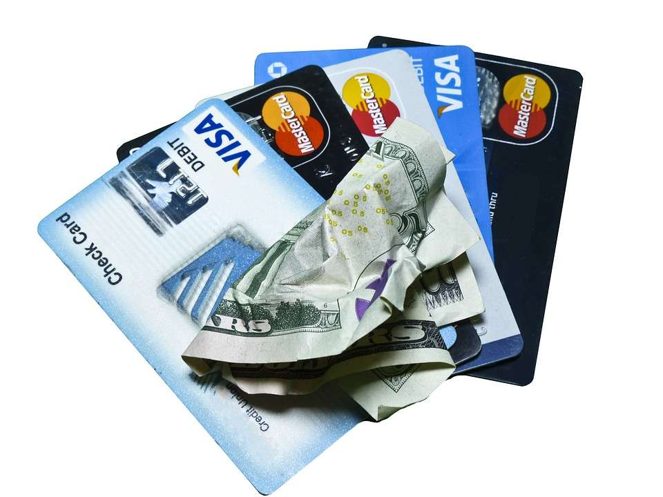 Debt Never Ends by Paying Only Minimum Due on Credit Cards